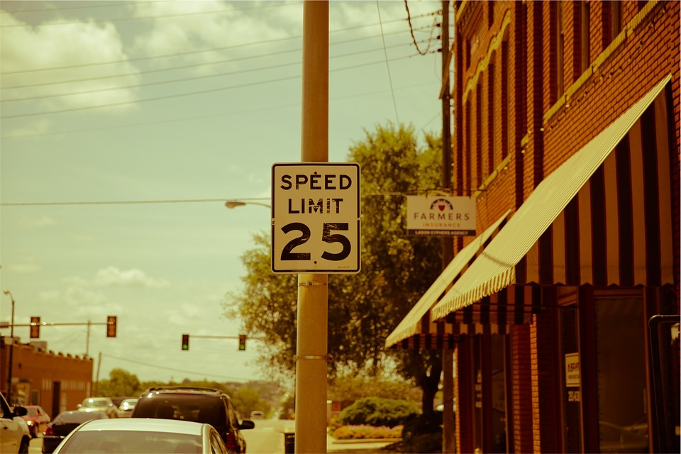 Speed Limit, Street, Traffic Lights, City, Urban, Sunny