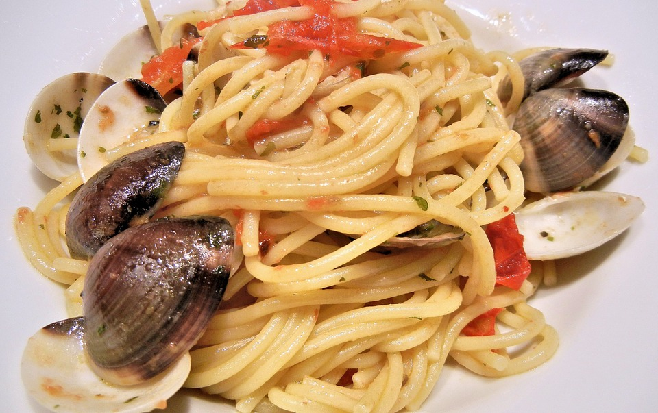 Spaghetti, Clams, Tomatoes, Olive Oil, Garlic, Food