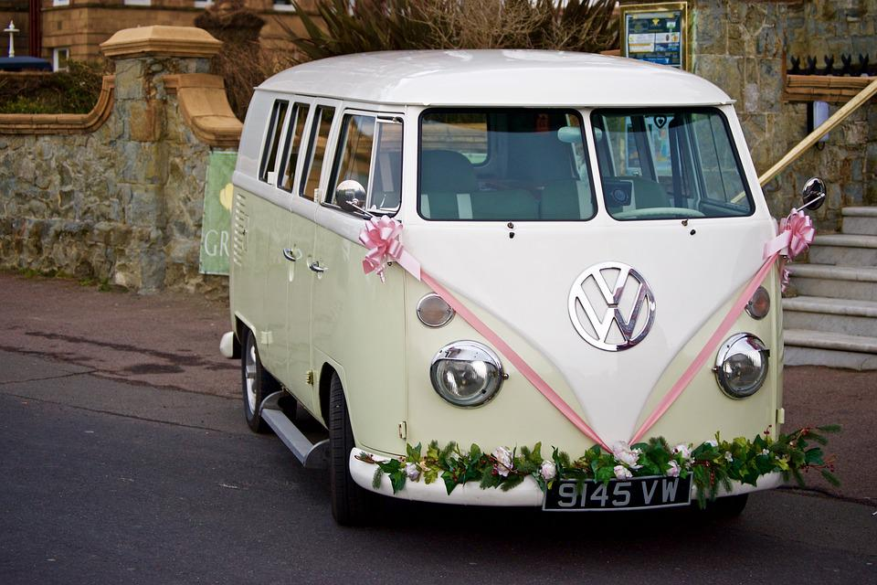 Free Photo Classic Bridal Car Van Transporter Car Vintage Car