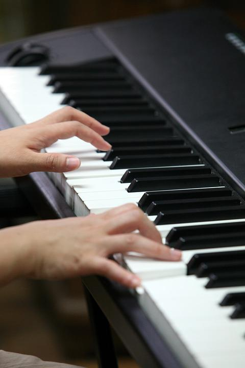 instrument piano player