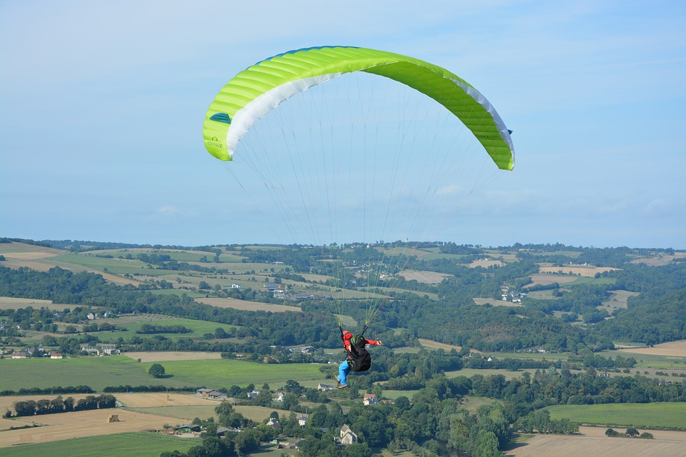 Paragliding, Free Flight, Normandy, Clécy, France