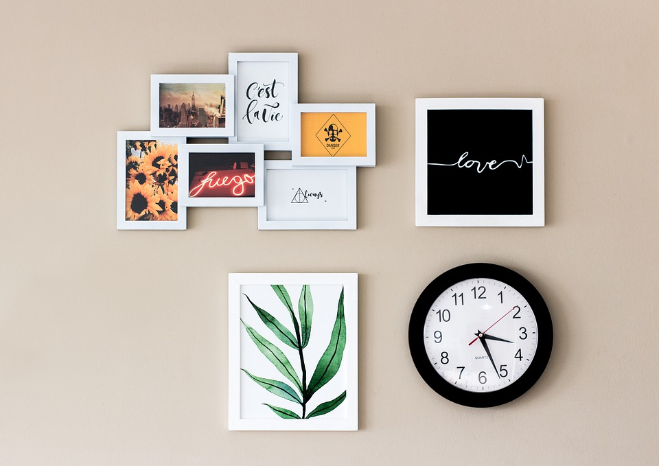 Clock, Pictures, Wall, Ornaments, House, Interior