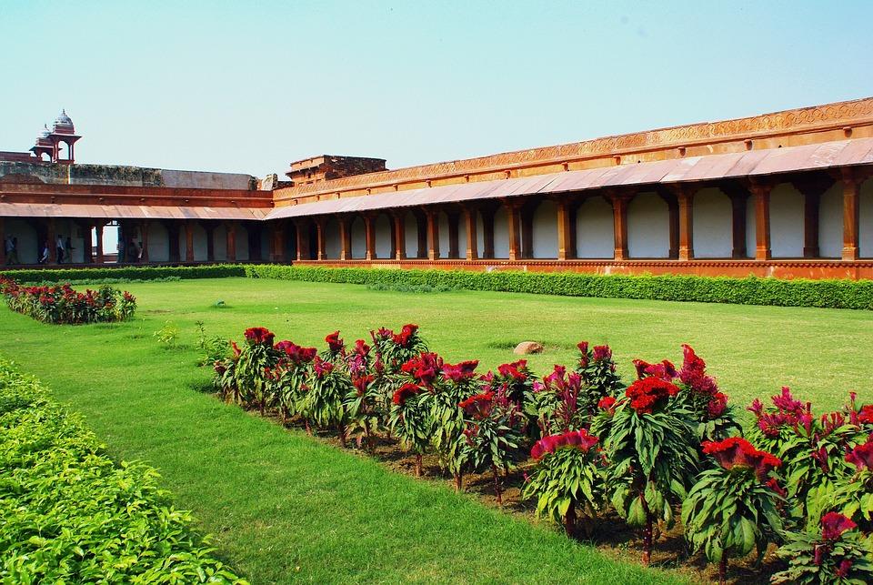 India, Fahtepur Sikri, Cloister, Porch
