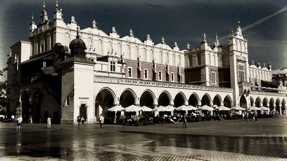 Kraków, Cloth Hall Sukiennice, Tour, The Market