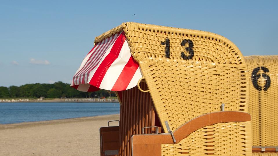 Beach, Beach Chair, Sand, Clubs, Wind Protection