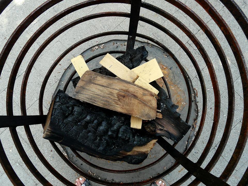 Fire Basket, Combs Thread Cutting, Firewood