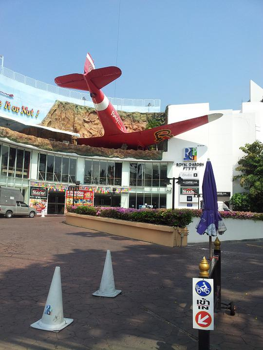Plane, Commercial, Center