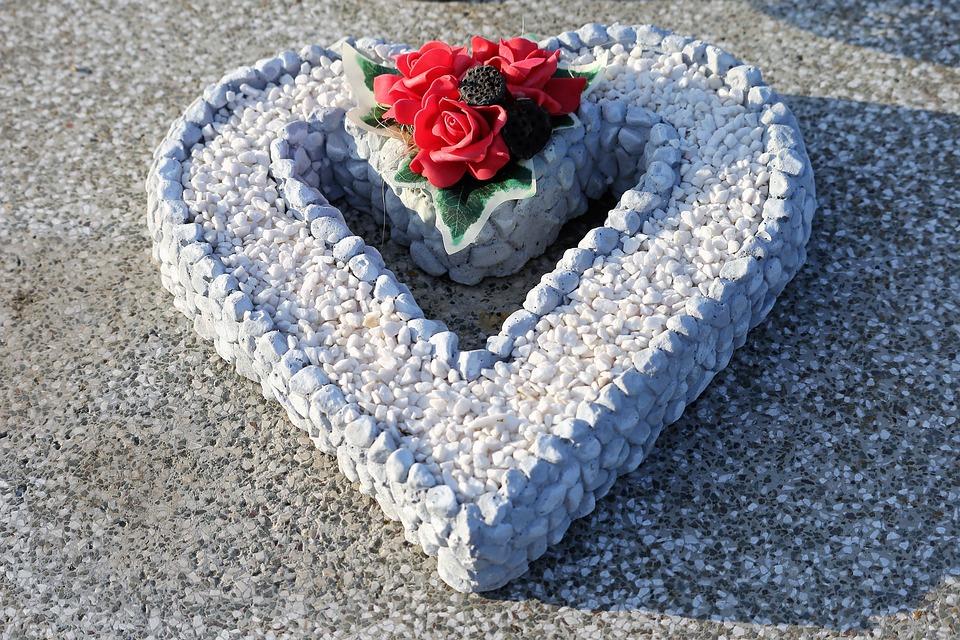 Stone Heart, Decoration, Red Roses, Condolence