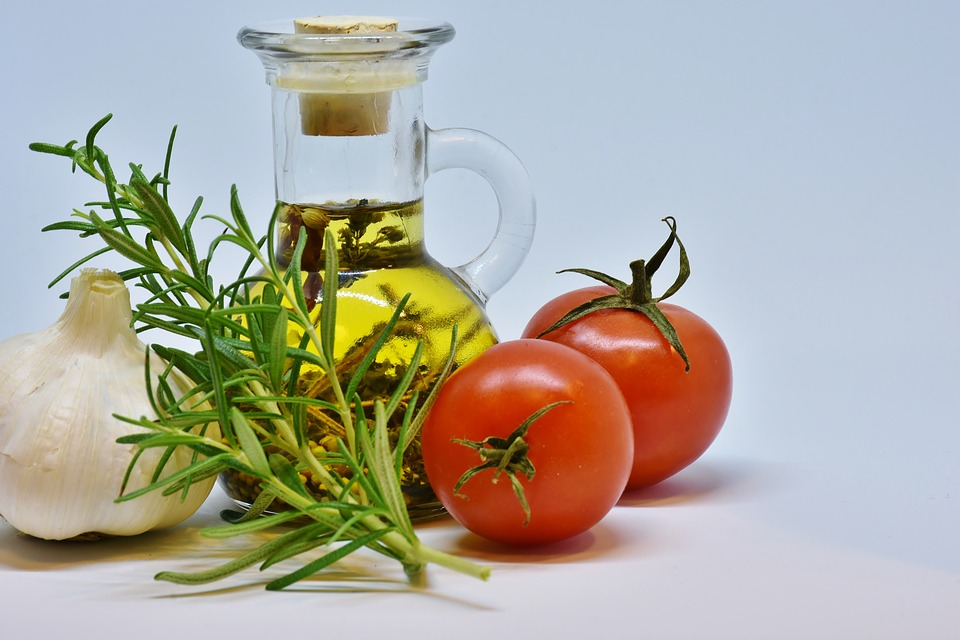 Oil, Olive Oil, Food, Tomato, Garlic, Kitchen, Cook