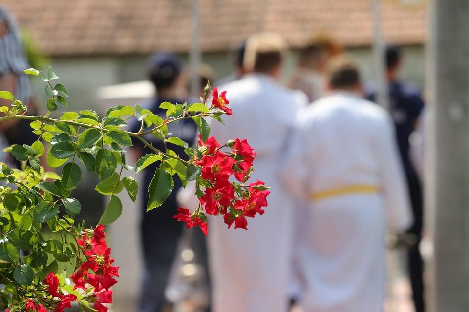 Corpus Christi Feast, Little Red Roses, Altar Servers
