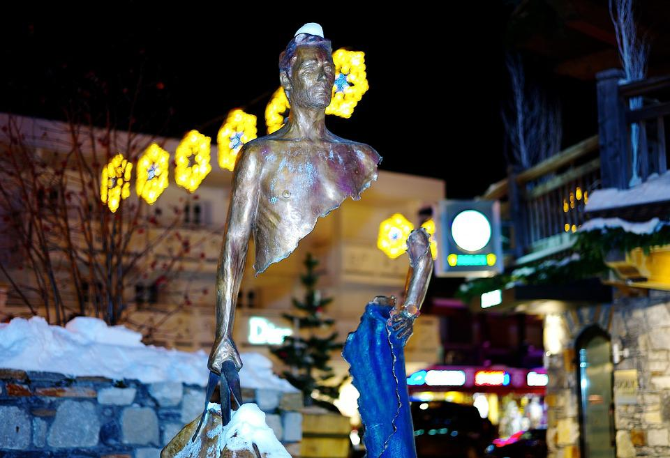 Art, France, Courchevel, Mounting