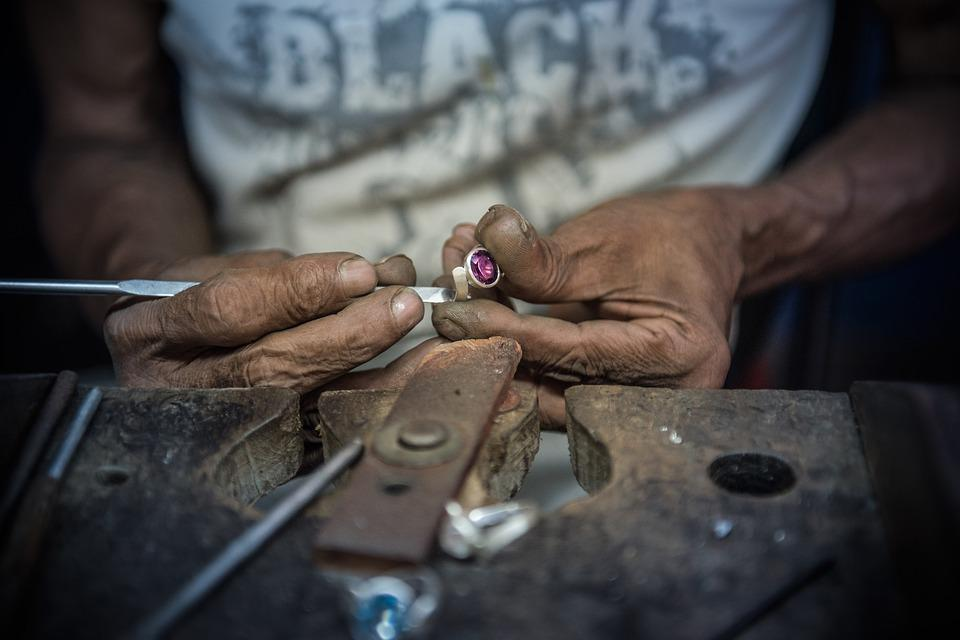 Diamond, Sri Lanka, Mine, Handmade, Hand Labor, Craft
