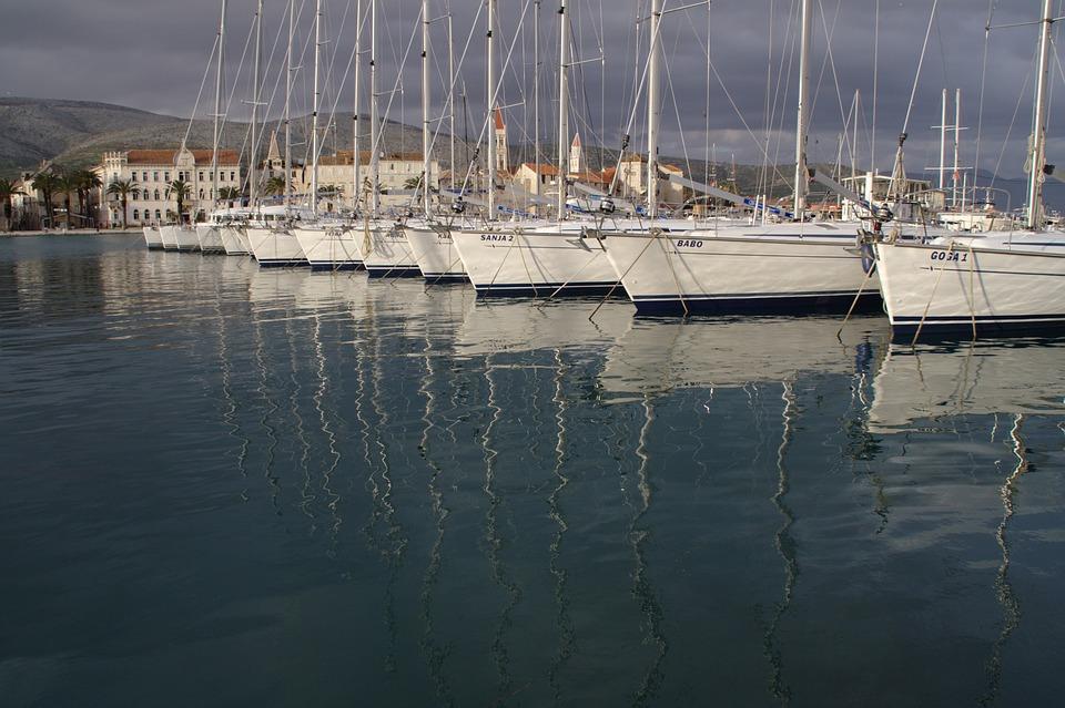 Croatia, Dalmatia, Trogir, Port