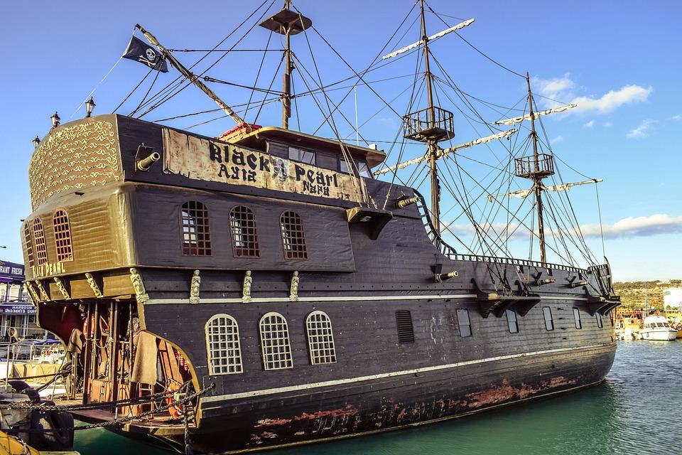 Free Photo Cruise Boat Boat Pirate Ship Vessel Sailboat Ship Max - Pirate ship cruise