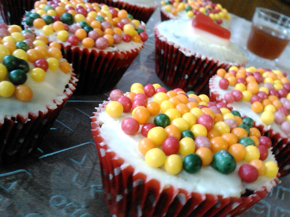 Cupcakes, Candy, Cakes, Cereal Balls, Pastry, Cream