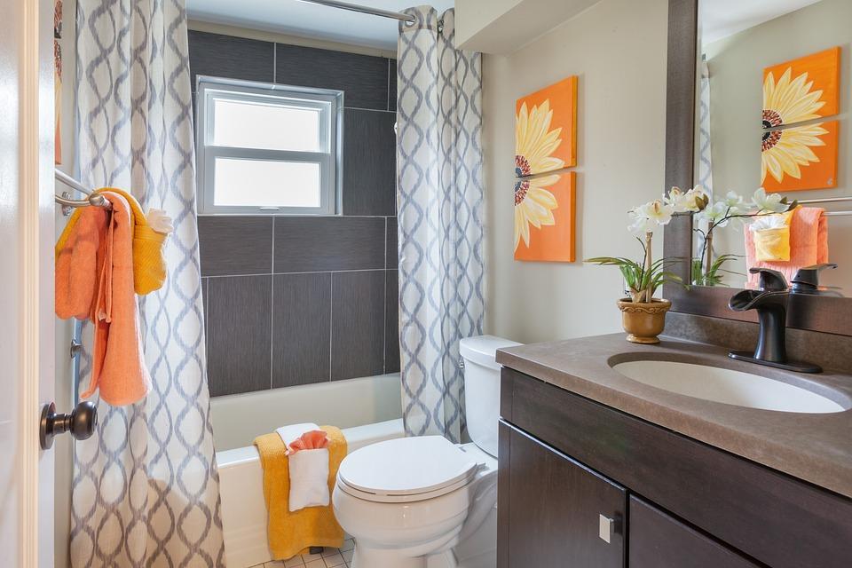 Bathroom, Staging, Curtains, Tile