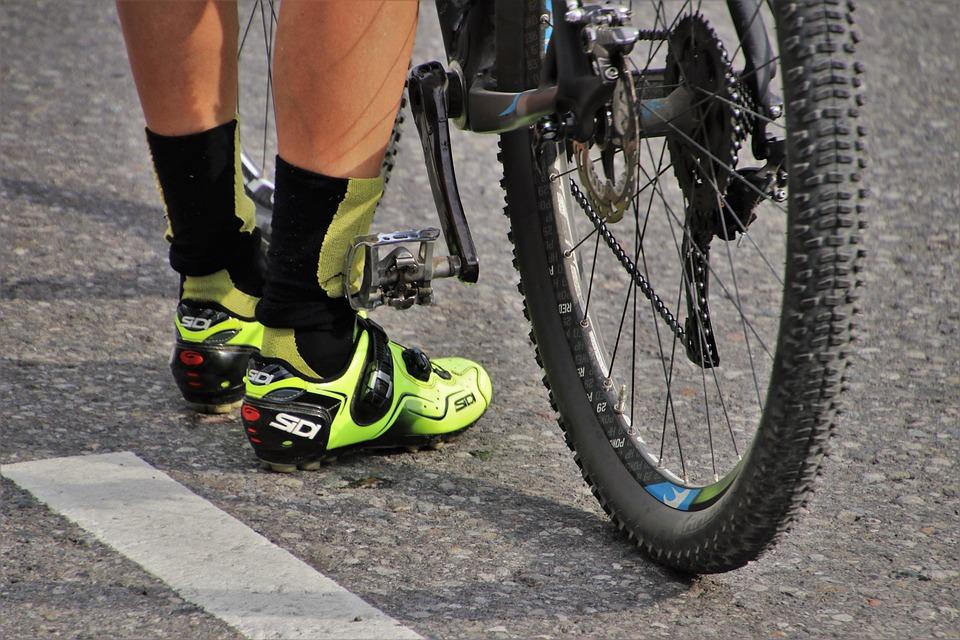 Wheel, Cyclist, Sports Shoes, Bike, Tire, Two, Para