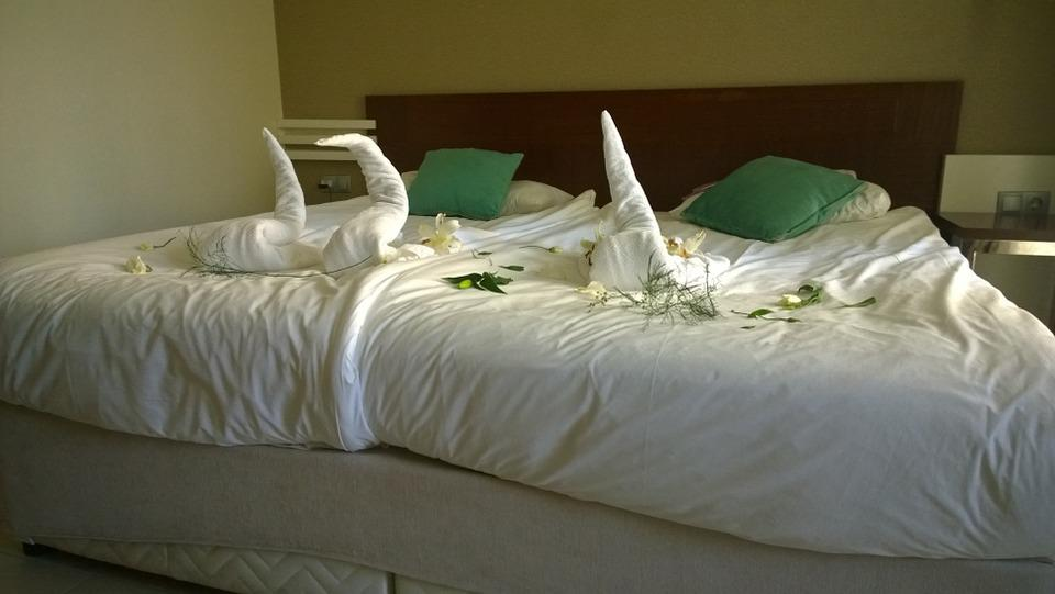 Double Bed, Bed, Decorated, Holiday, Hotel, Bed Sheet