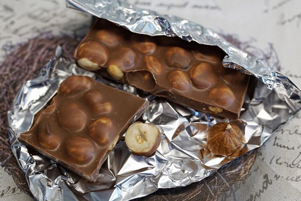 Chocolate, Hazelnut Chocolate, Sweet, Delicious, Nibble
