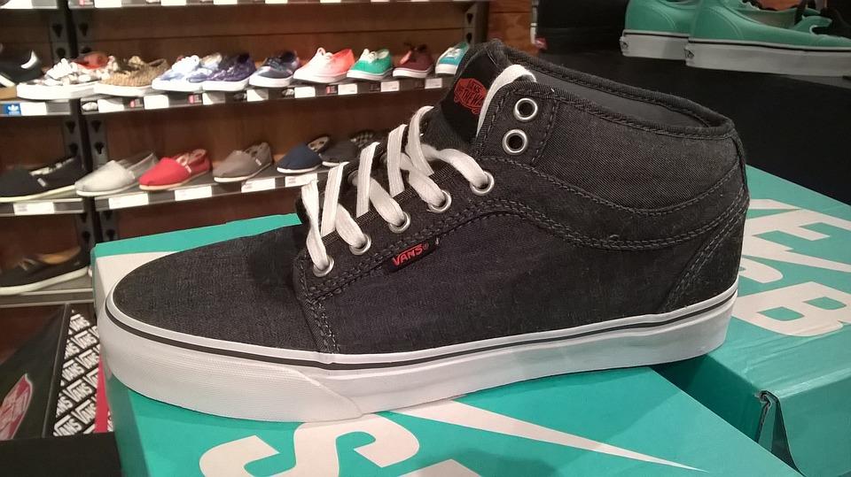 Shoe, Flat, Black, Fashion, Design, Footwear, Casual