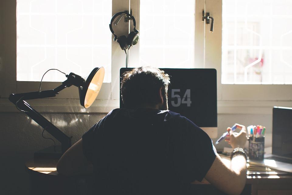 Chair, Computer, Desk, Electronics, Indoors, Lamp