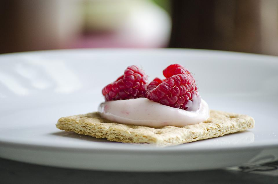 Raspberries, Cracker, Dessert, Snack, Food, Healthy