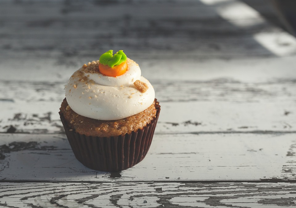 Cupcake, Cherry, Dessert, Sweet, Pastry, Icing