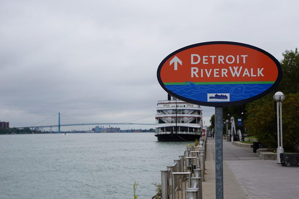 How Many People Drink From Detroit River