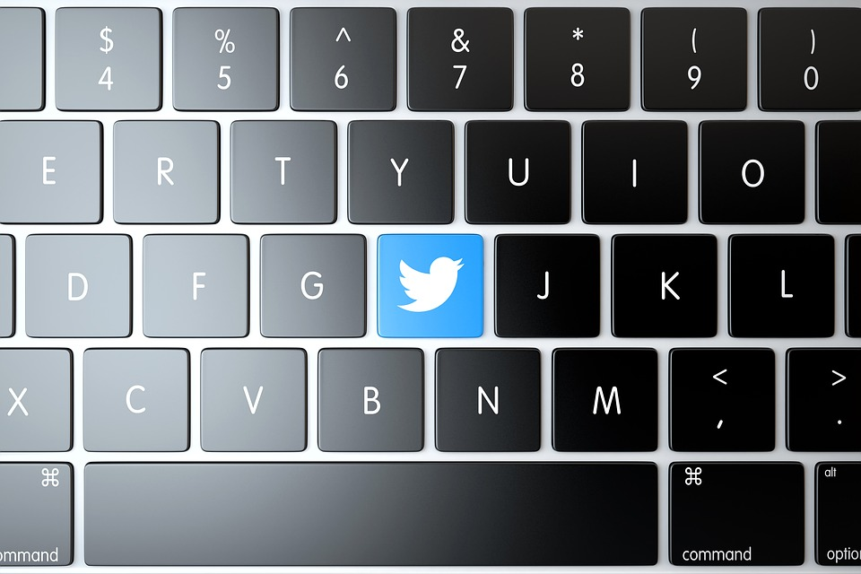 Tweets, Twitter, Devices, Editorial, Laptop, Logo