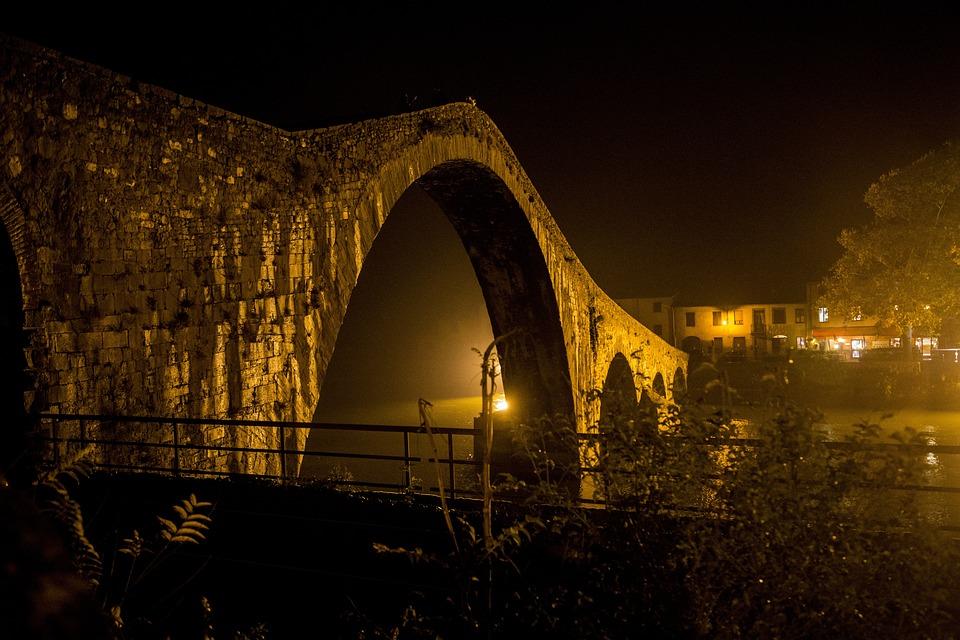 Lucca, Tuscany, Borgo A Mozzano, Devil's Bridge