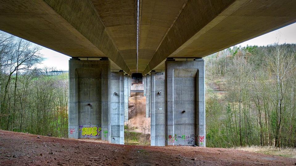 Highway Bridge, Pillar, Highway, Devil's Bridge