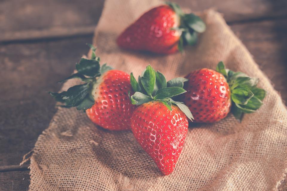 Strawberries, Fruit, Ripe, Food, Diet, Snack, Delicious