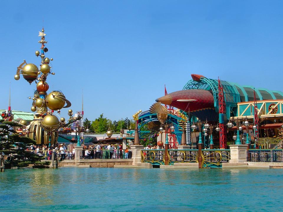 Disneyland, Paris, Disneyland Paris, Theme
