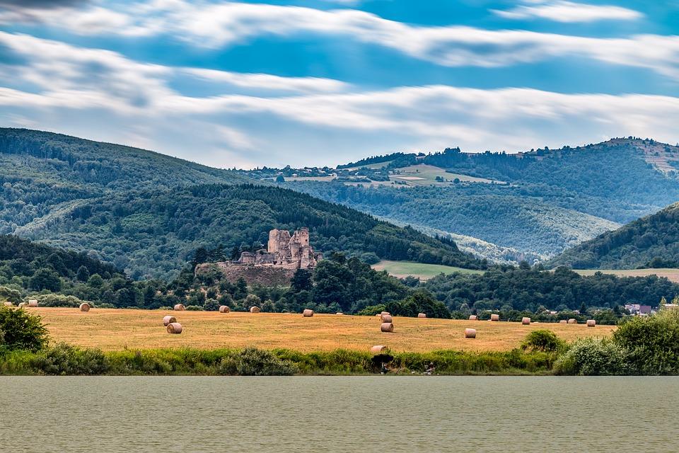 Ružina, Ruzina, Divin, Divínsky Castle, Castle