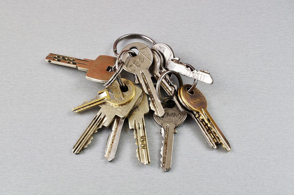 Key Keychain Door Key House Keys Close Up & Free photo Door Key Keychain Close Up Key House Keys - Max Pixel