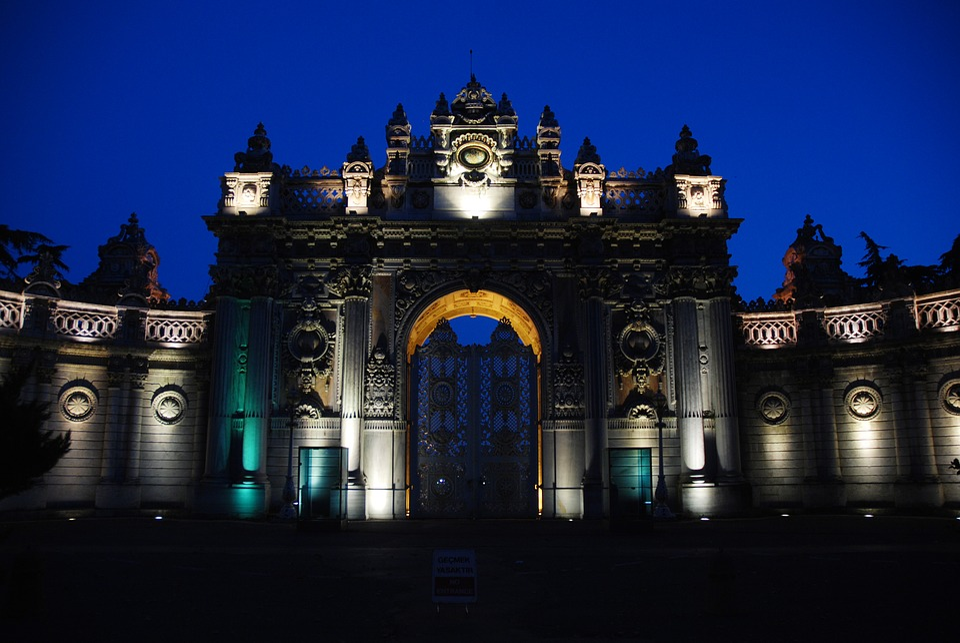 Dolmabahçe Palace, Door, Night