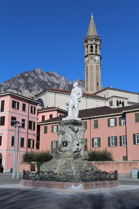 Downtown Lick, Statue, Campanile, Historical Centre