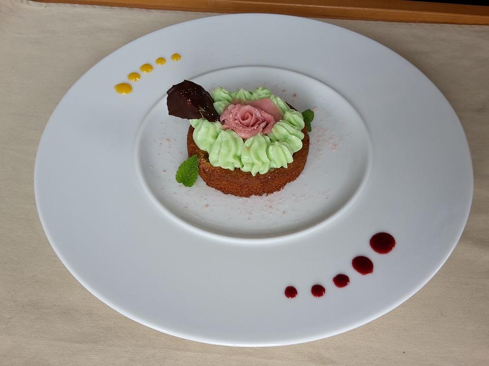 Breton Biscuit, Cream, Pistachio, Dressage
