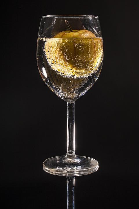 Glass, Apple, Drop Of Water, Fruit, Drip, Water