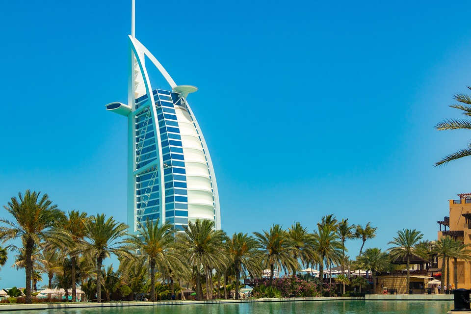 Hotel, Travel, Sky, Architecture, Arecaceae, Dubai