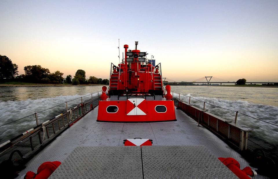 Fireboat, Düsseldorf, Rhine, Barge, Flb2, Fire