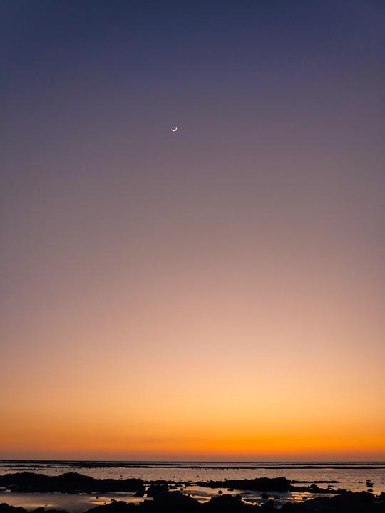 Sunset, Dusk, Beach, Crescent Moon, Silhouettes, Sea