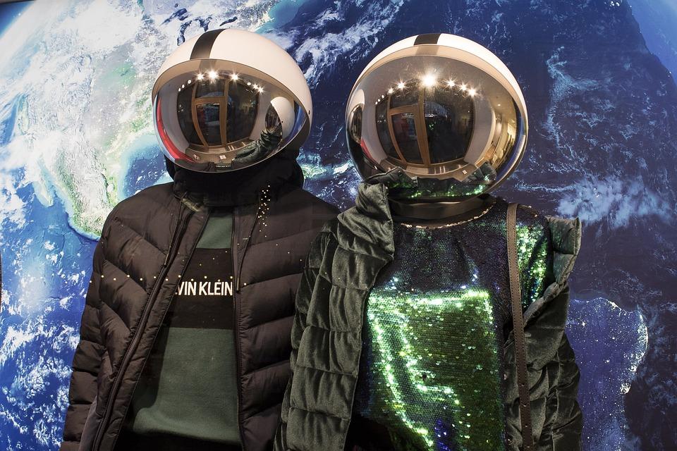 Fashion, Winter Fashion, Astronaut, Earth