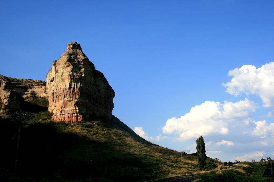 Rocky Outcrop, Clarens Region, Sandstone, Earthy Colors