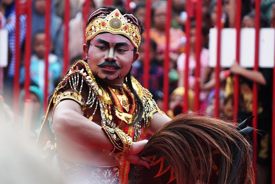 Ebeg Attractions, Bamboo Festival Serayu, Jathilan