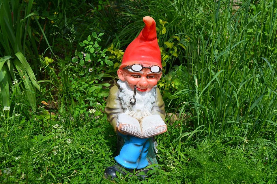 Dwarf Garden, Dwarf, Gnome, Elf, Read, Pipe, Grass