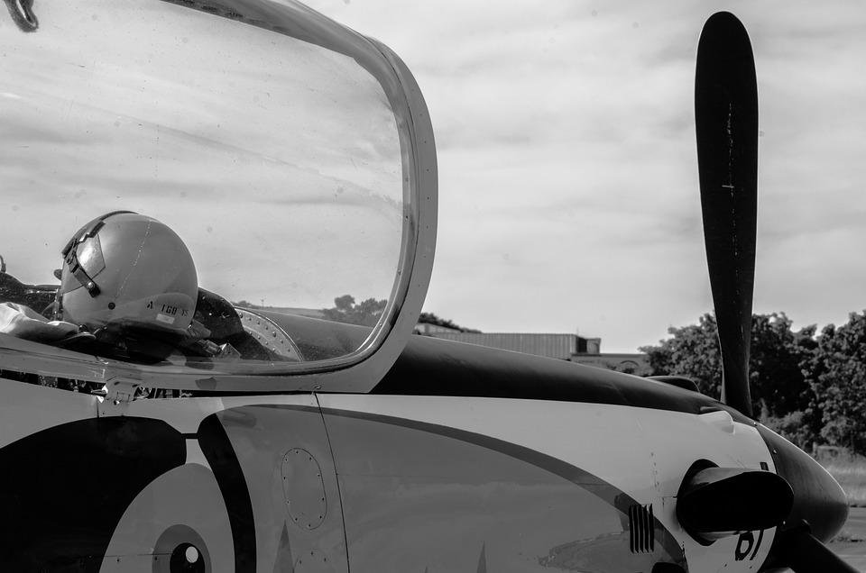 Plane, Helmet, Elice