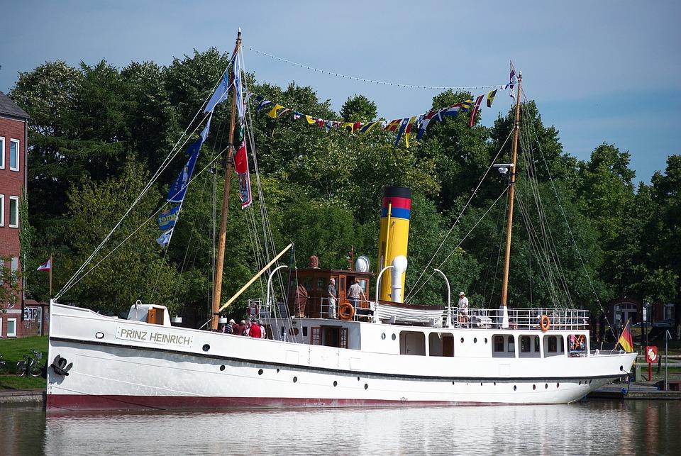 Steamboat, Prince Heinrich, Port-empty, Port, Empty