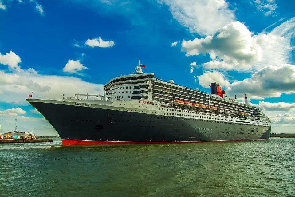 Ship, The Queen Mary 2, England, Port