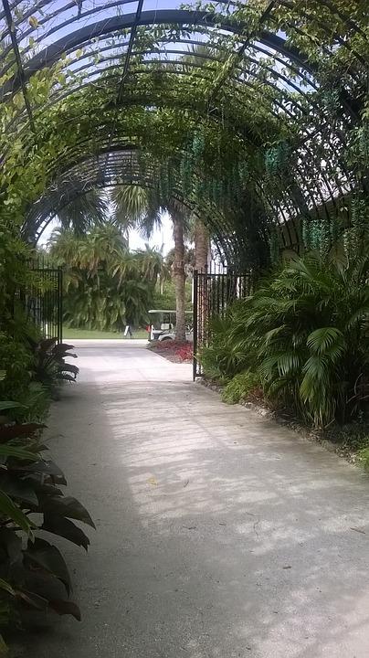 Botanical Garden, Archway, Entrance